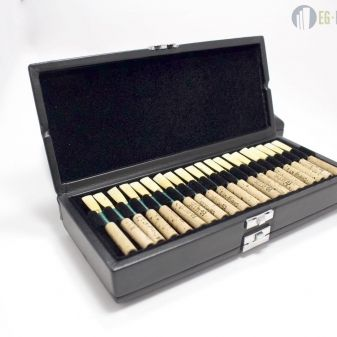 Oboe reed cases 40 Reeds